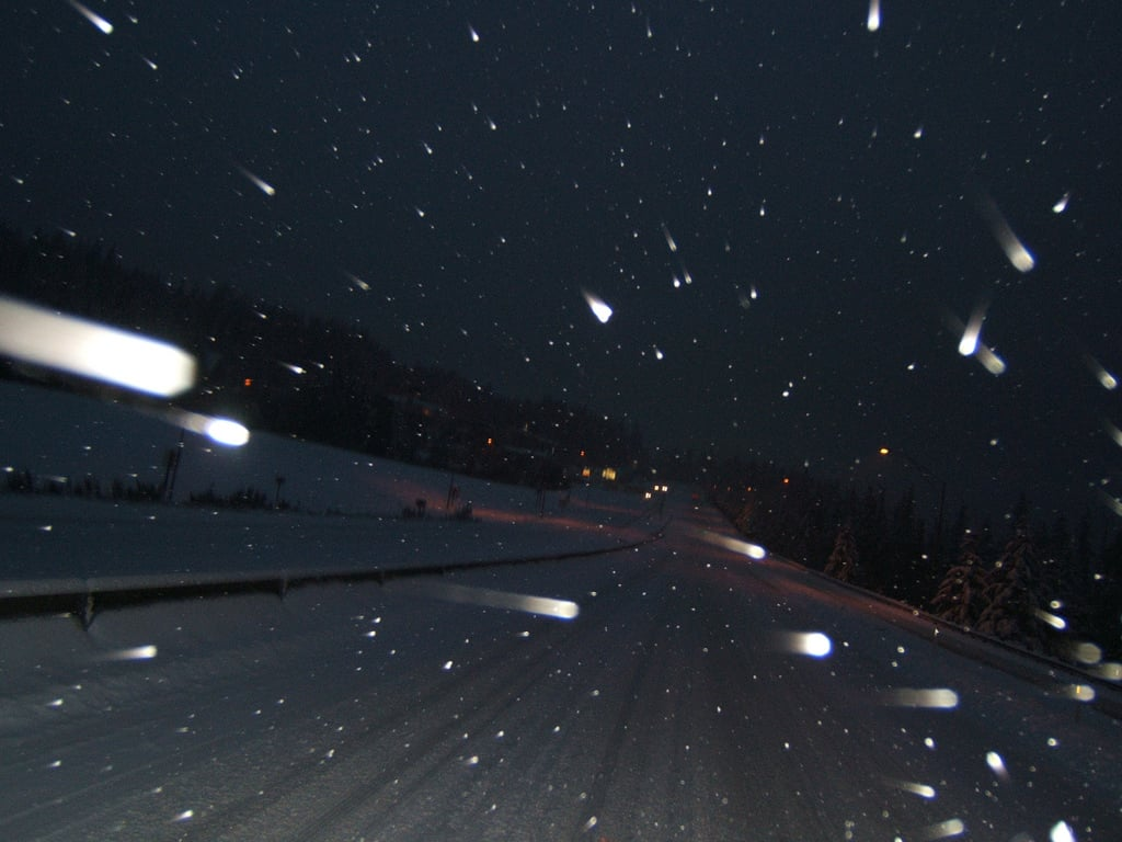 driving_Night_snow