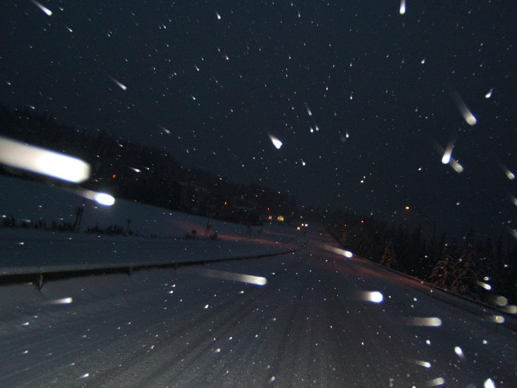 driving_Night_snow
